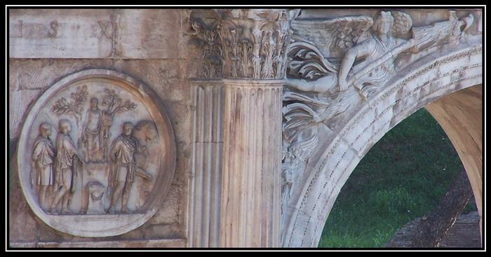 2004_08_24_46_Roma_Arco_di_Costantino_dal_Colosseo_4